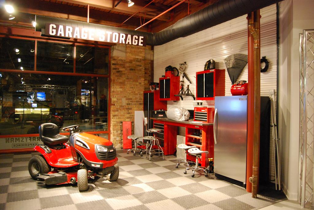 Garage_5199401364_e4d85b871a_b