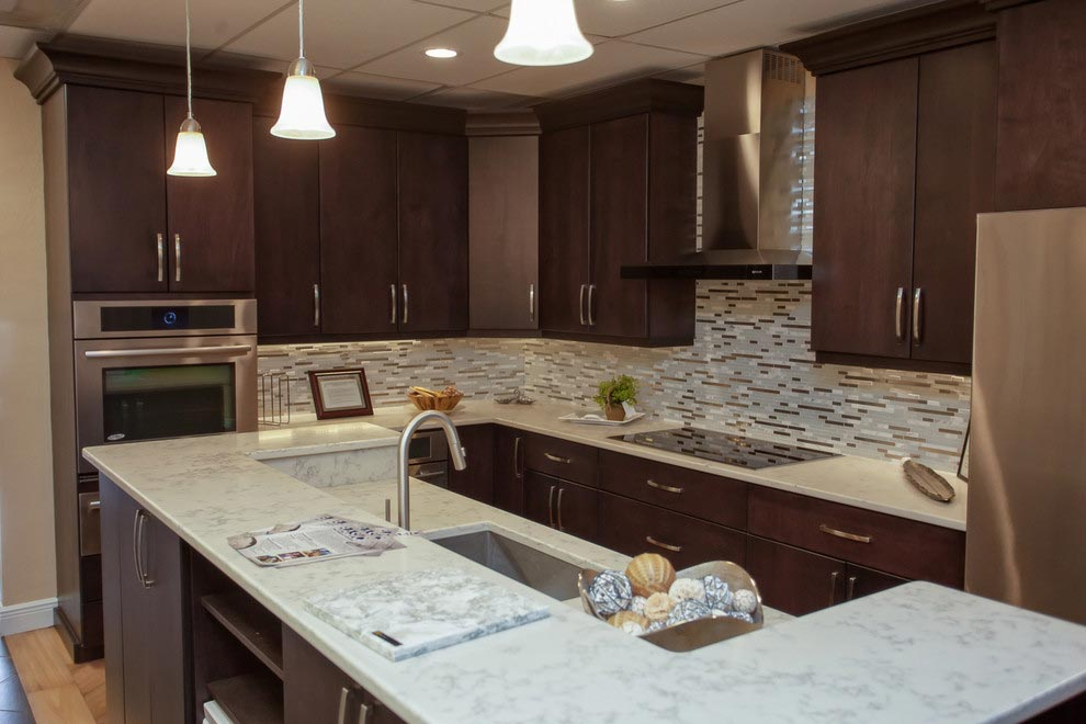 GRANITE COUNTERTOPS: